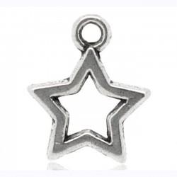 4 breloques d'une étoile...