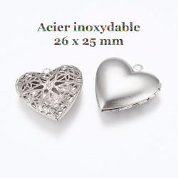 2 pendentifs coeur secret...